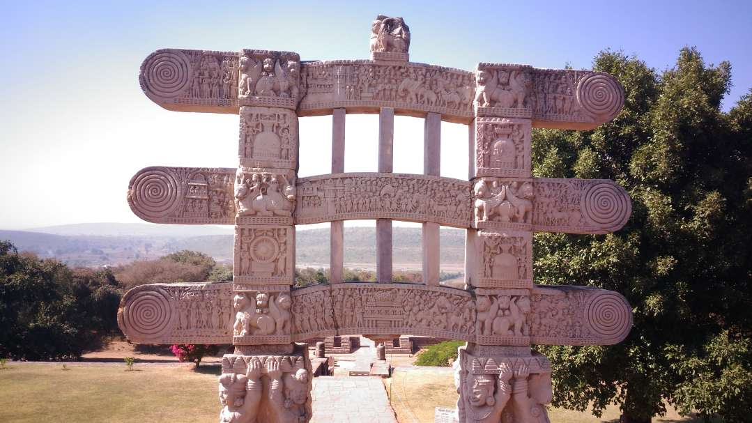 a-thorana-sanchi-stupa