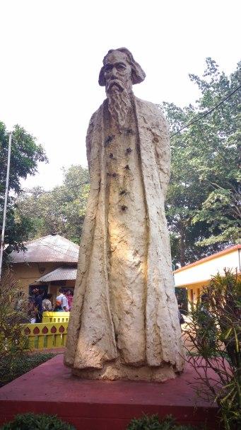 tagor-sculpture-by-krishnakumar-at-amar-kutir