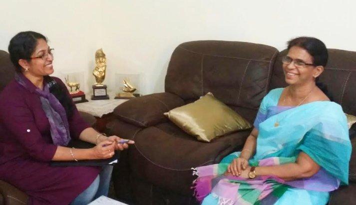 ഷൈന ഷാജൻ, ഖദീജ മുംതാസ്